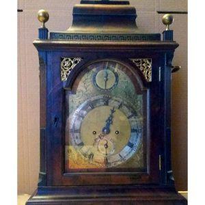 Комодные английские часы 18 века